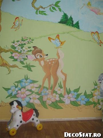 Pictură pereţi camera copilului