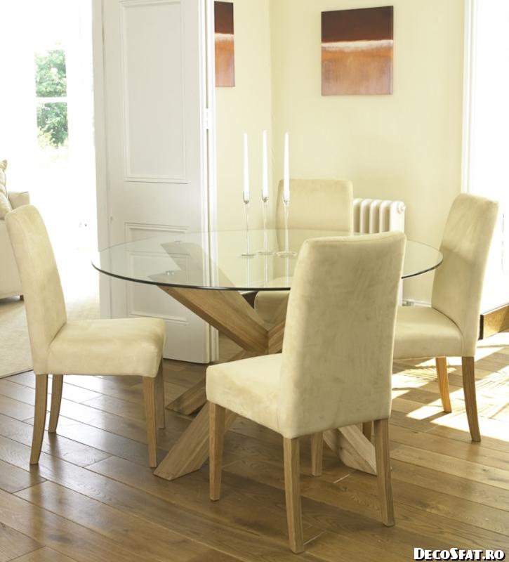 orleans-round-glass-table Amenajarea şi mărirea unui spaţiu mic