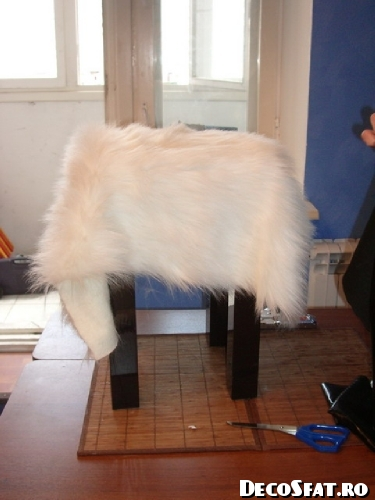 Scaun cu blăniţă